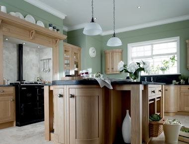Shaker Kitchen In Wood