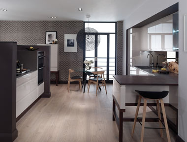Handless Kitchen with contrasting elements